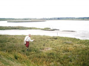 On the Waveney & Blyth Arts otter walk, we venture onto the mudflats to look for footprints
